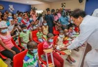 President celebrates his Bday wt cancer kids