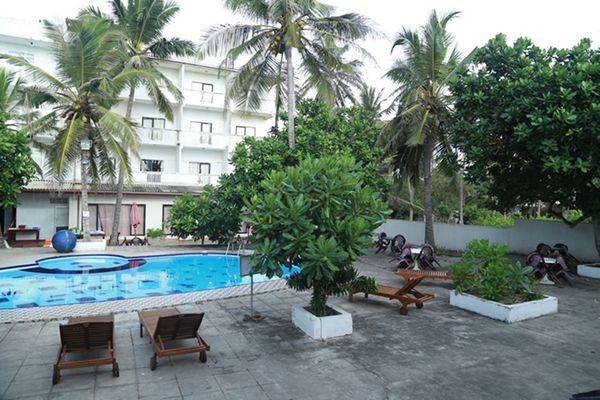 Sea Shine Beach Hotel Uswetakeiyawa