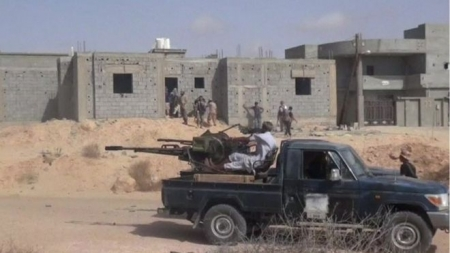 Islamic State conflict: Libyan forces 'make gains' in Sirte