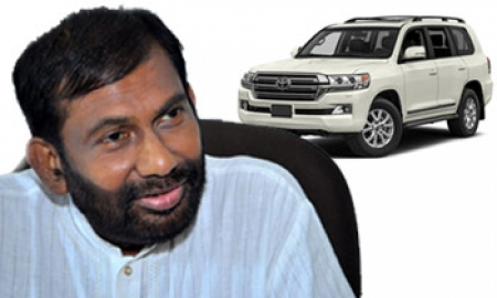 Vehicles imported by MPs, Ministers cost a mere Rs.7.5mn each: Daya Gamage