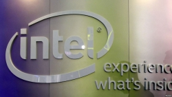 Intel Introduces New Chips in Bid for Data Center Business