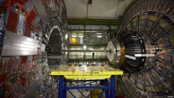 Key Experiment at World's Biggest Atom Smasher Gets Upgrade