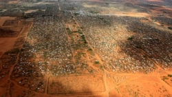 Kenya announces Dadaab refugee camp will close by November