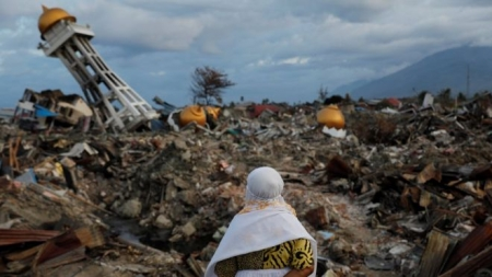 Indonesia tsunami: Search for victims to end, though hundreds still missing