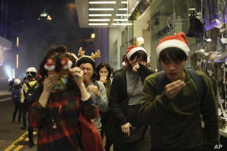 Clashes Mar Christmas Celebrations in Hong Kong