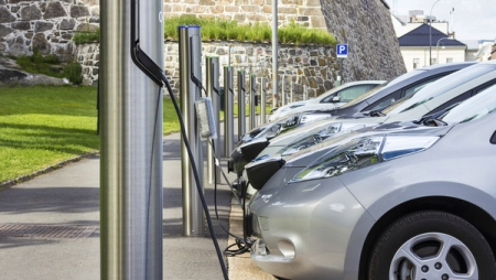 63 electric recharging stations to be set up with private sector assistance