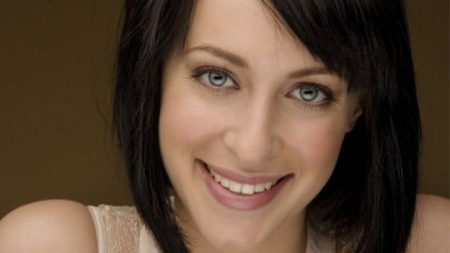 Jessica Falkholt: Home and Away actress has life support turned off