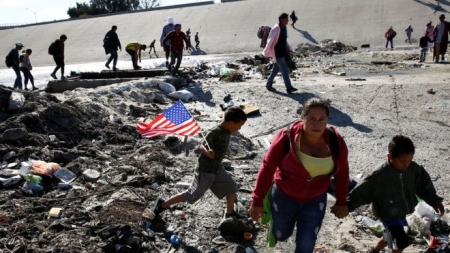 Migrant caravan: Mexico to deport group which stormed US border
