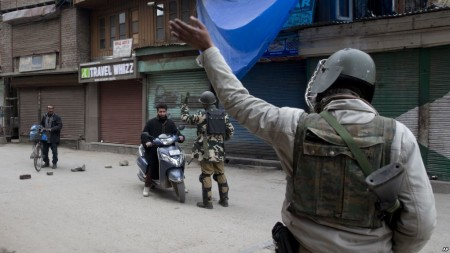 India Suspends Cross-border Trade in Kashmir