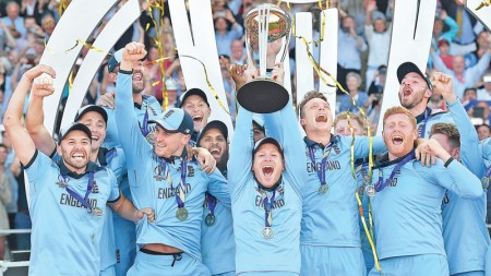 England wins World Cup after thrilling tie