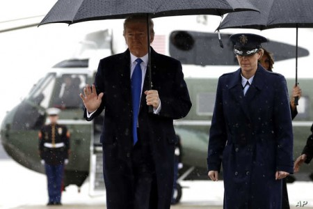 Trump Heads to Summit Under Cloud of Impeachment